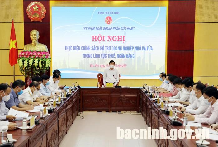 Hội nghị thực hiện chính sách hỗ trợ và giải đáp các vướng mắc của DNNVV trong lĩnh vực thuế, ngân hàng