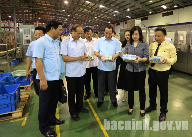 Provincial leaders worked with Vinasoy factory